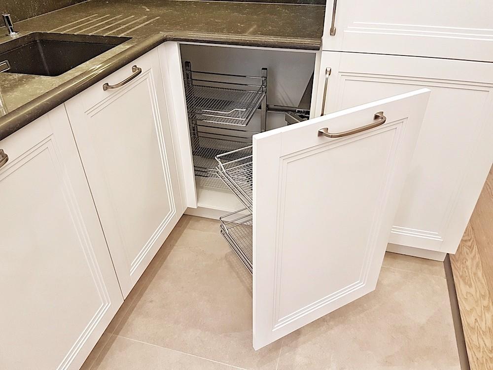 Izvelkamais virtuves grozs